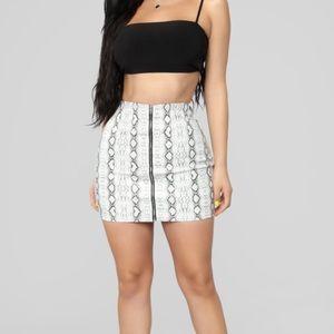 Snakeskin skirt- L